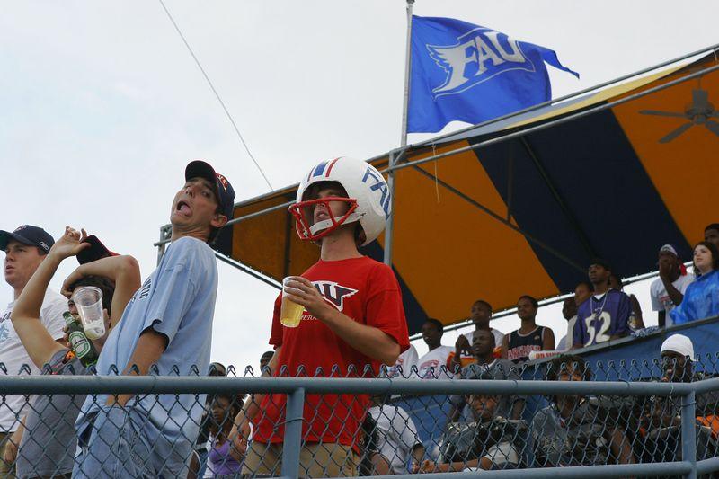 FAU Football vs Louisiana 2004-Oct-23 0083