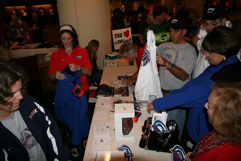 FAU vs MU 21Dec2007 NewOrleans BOWL- (19)NR
