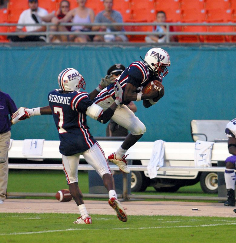 1 FAU Football vs Morris Brown 09nov02- 421 v8