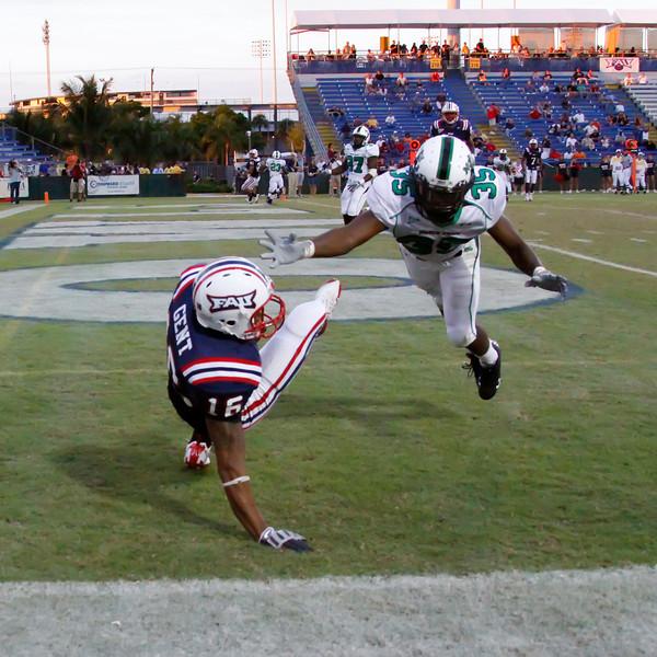 FAU Football vs North Texas 2008NOV08-   (379)sq