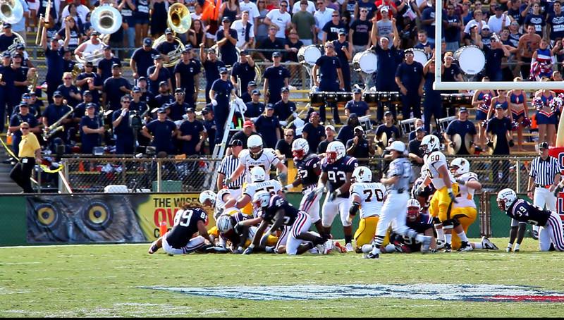 FAU vs Wyoming Cowboys 03 Oct 2009 VideoClip -  (15)