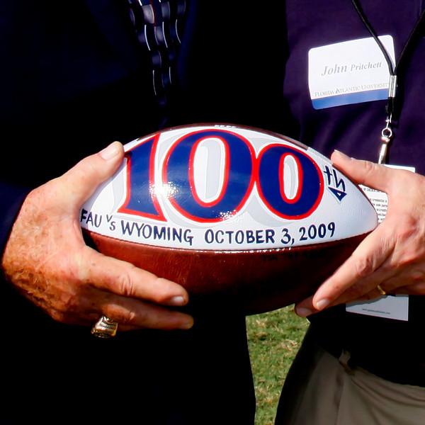 FAU vs Wyoming Cowboys 03 Oct 2009 -  (128)-NR sq