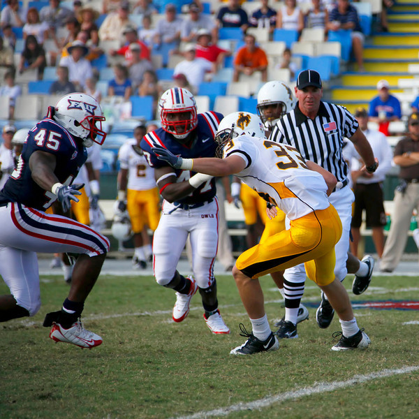 FAU vs Wyoming Cowboys 03 Oct 2009 -  (185)-NR sq