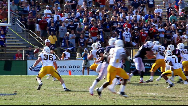 FAU vs Wyoming Cowboys 03 Oct 2009 VideoClip -  (16)