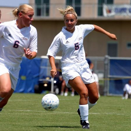 FAU Womens Soccer vs Indiana Univ 31-Aug-03 0004