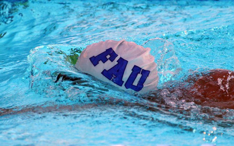 FAU Swim vs Clemson Denver Utah 12-20-03 0041