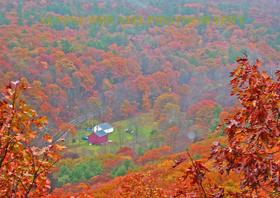 RED-HOUSE-IN-THE-FALL