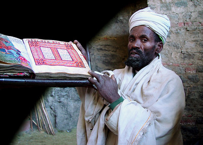 ORTHODOX PRIEST - LALIBELA, ETHIOPIA