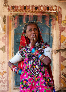 MEGHWAL LADY - KUTCH, INDIA