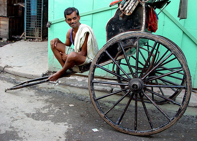 RICKSHAW WALLAH - CALCUTTA, INDIA
