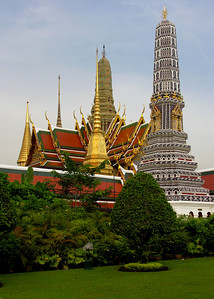 TEMPLE OF THE EMERALD BUDDHA - BANGKOK, THAILAND