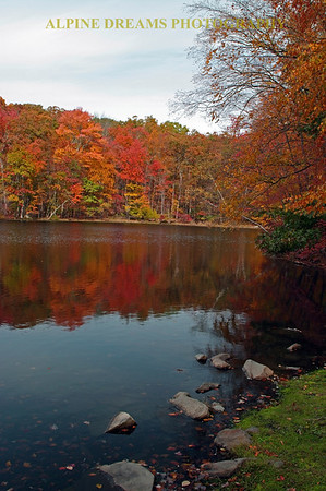 LAKE-REFLECTIONS-FALL
