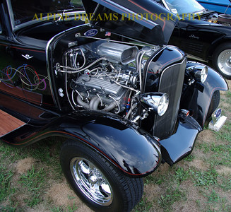 CLASSIC-FORD-in-BLACK
