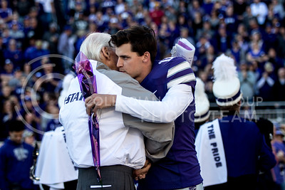 Bill Snyder talks to senior Kicker Matthew McCrane during the pregame of the football game against Iowa State at Bill Snyder Family Stadium on Nov. 25, 2017. (Alanoud Alanazi | Collegian Media Group)