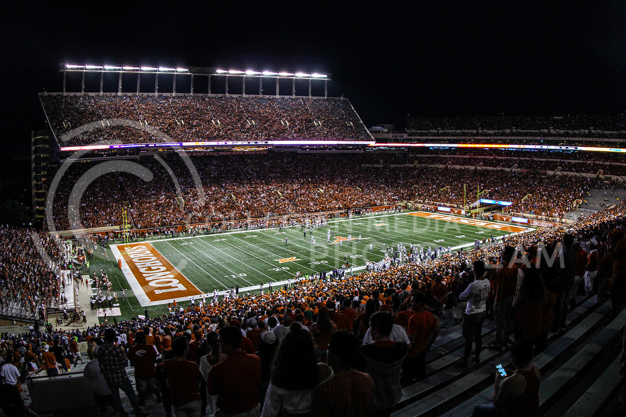 AUSTIN, TEXAS - OCTOBER 7: Fans fill Darrell K Royal stadium during the football match between Kansas State University and University of Texas, Austin on October 7th, 2017. (Photo by Cooper Kinley | Collegian Media Group)