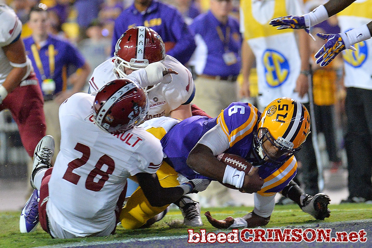 September 5, 2014: LSU Tigers quarterback Brandon Harris (6) dives into the endzone for a touchdown during a game between New Mexico State and No. 17/18 LSU at Tiger Stadium in Baton Rouge, LA.