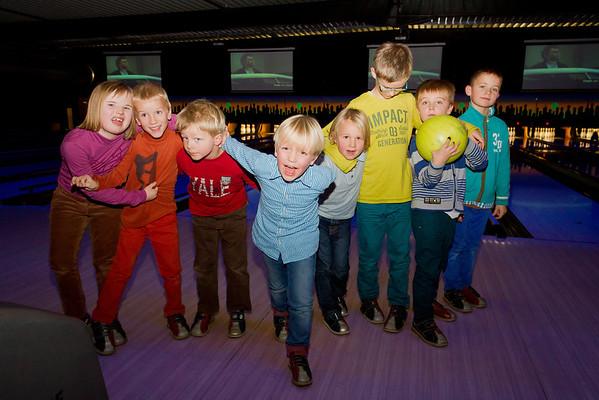 30/11/2013: U7 FC Edeboys goes bowling