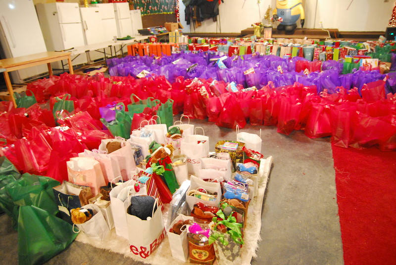 Over 400 children received gifts.