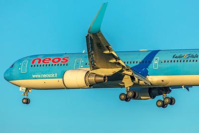 Neos Boeing 767-306(ER) I-NDMJ 12-10-18 2
