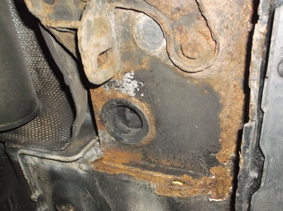 Hole in RHR floorpan edge