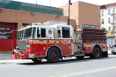 FDNY Engine 234 2009 Seagrave 2000-500 Photo by Chris Tompkins