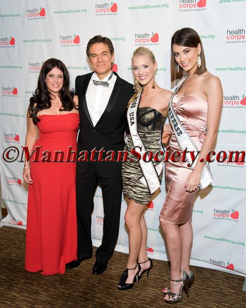 Lisa Oz, Dr. Mehmet Oz, Miss USA Kristen Dalton, Miss Universe Stefania Fernandez