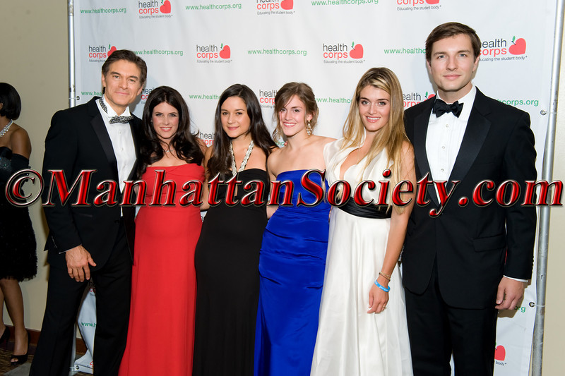 Dr, Mehmet Oz, Lisa Oz, Arabella Oz, Zoe Oz, Daphne Oz, John Jovanovic