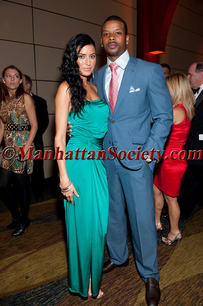 Nicole Williams, Kerry Rhodes