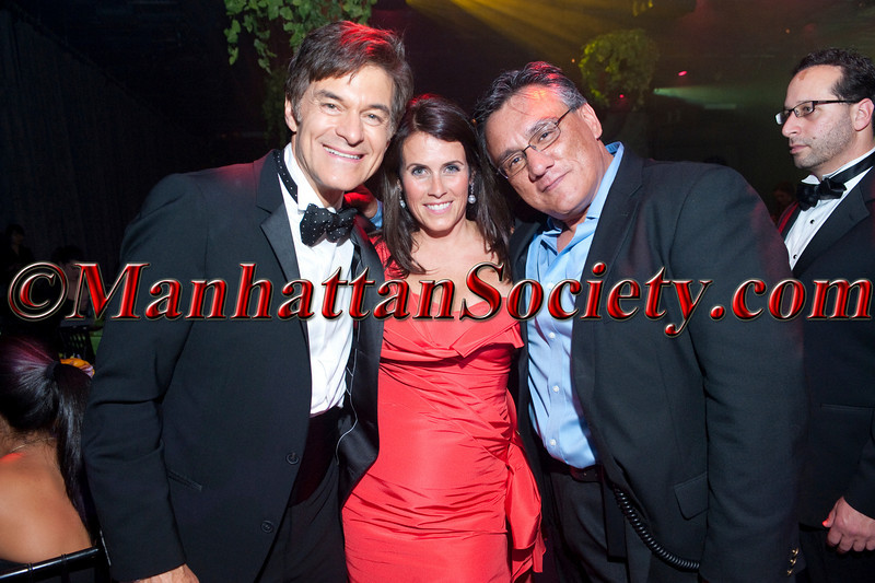 "Dr. Mehmet Oz, Lisa Oz, Photographer Gregory Partanio attend HEALTHCORPS' Fifth Annual Gala ""Fresh From The Garden"" on Wednesday, April 13, 2011 at Intrepid Sea, Air & Space Museum, Pier 86 at 46th Street & 12th Avenue, New York, NY  PHOTO CREDIT: Copyright ©Manhattan Society.com 2011"