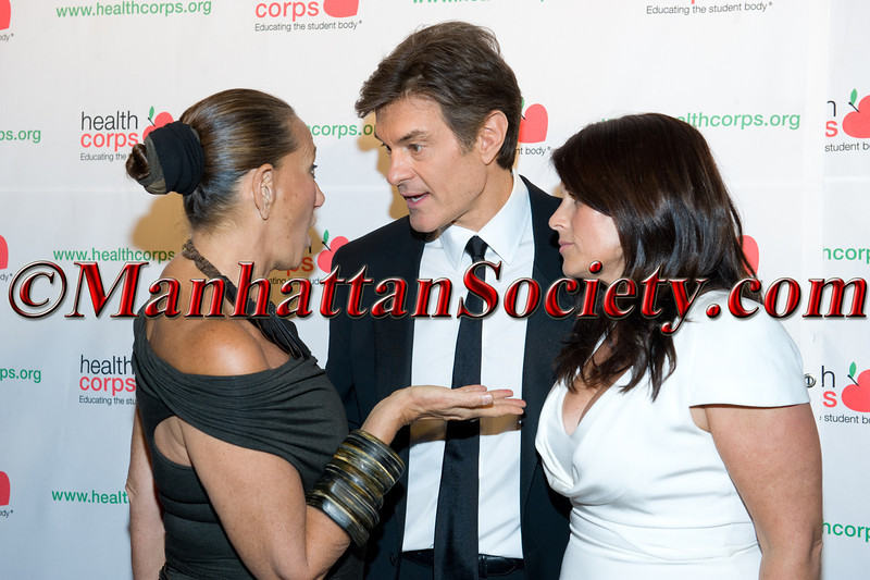"New York –April 18: Donna Karan, Dr. Oz, Lisa Oz attend HEALTHCORPS' Sixth Annual Gala ""Garden of Angels"" at the Waldorf Astoria Hotel on Wednesday, April 18, 2012 in New York City.  PHOTO CREDIT: © 2012 Manhattan Society.com by Gregory Partanio"