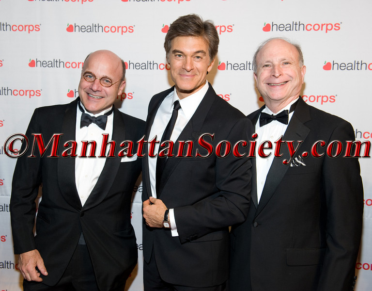 Members of Healthcorps Advisory Board with Dr  Oz