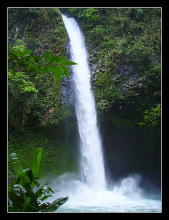 LA FORTUNA waterfall.  Costa Rica.
