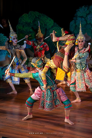 """The Fight of Monkey and Demon, Khon performance """"Hanuman Presents the Ring"""""""
