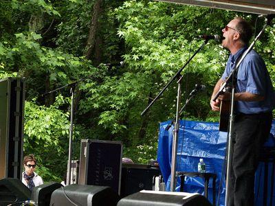 Rufus & Loudon Wainwright III Appel Farm Festival 2005