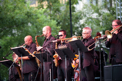 Chuck Israels Jazz Orchestra   http://chuckisraelsjazz.com/Home.html