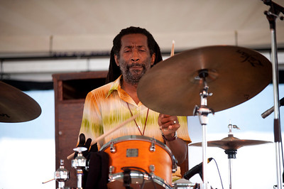 Leonard King Jr.   http://www.leonardkingdrums.com/