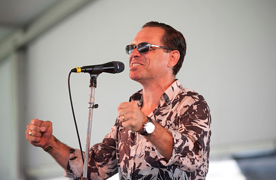"Kurt Elling - ""Come Fly with Me""   http://kurtelling.com/index.php"