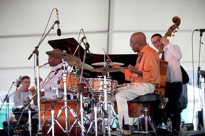 Roy Haynes Fountain of Youth Band  Martin Bejerano /  Jaleel Shaw /  Roy Haynes /  David Wong