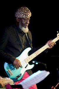 Jamaaladeen Tacuma   http://www.jamaaladeenmusic.com