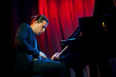 Alfredo Rodriguez   http://www.alfredomusic.com