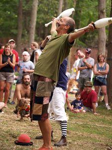 Give & Take Jugglers              Philly Folk Fest 2005