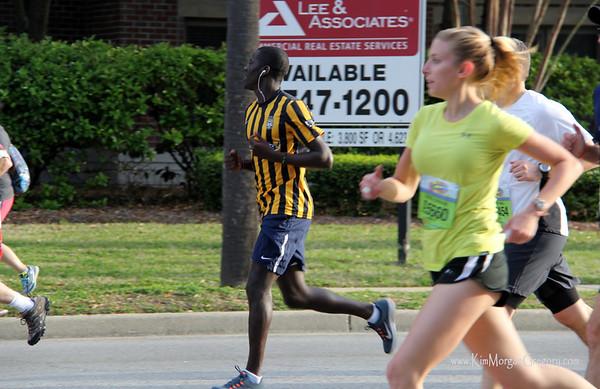 Charleston BATTERY Players   2014 Cooper River Bridge Run