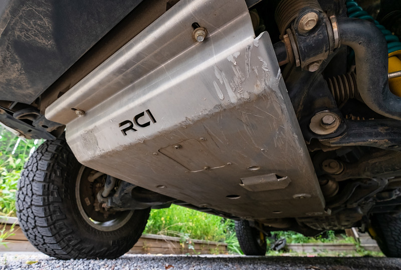 Some pictures for feedback to RCI on the weaknesses of their front skid plate design.