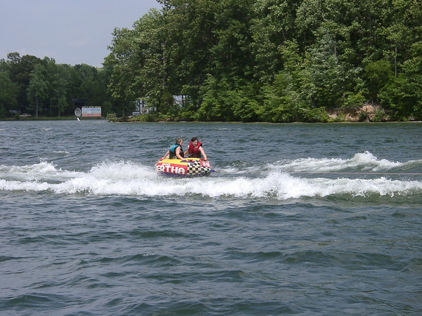 Boating in Louisa Lake Anna