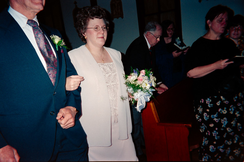 Lynn and Larry Simpkons Wedding Renewal May 2000