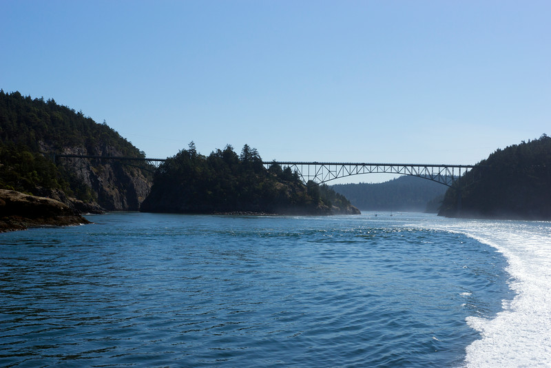 A complete view of the Deception Pass bridge.
