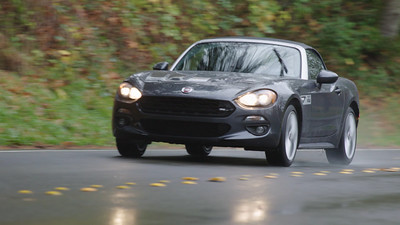 2017 FIAT 124 Spider Driving Reel
