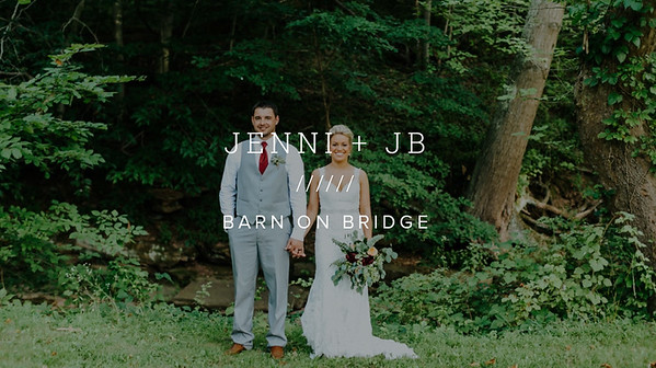 JENNI + JB ////// BARN ON BRIDGE