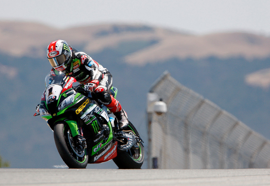 . Kawasaki Team rider Jonathan Rea (1) from Great Britain enters the corkscrew on his way to winning the FIM Superbike World Championship at Mazda Raceway Laguna Seca on Sunday, July 9, 2017.  (Vern Fisher - Monterey Herald)