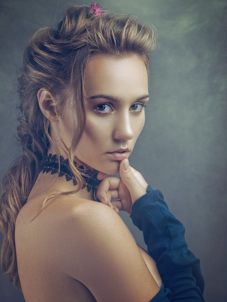 Beauty blondie, retro styled female portrait
